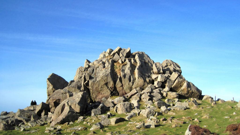 Garn Fawr,Mynydd Dinas